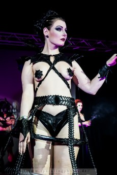 2015-08-08_Gothic_Fashion_Show_-_Bild_011.jpg