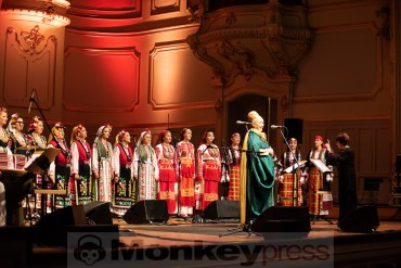 THE MYSTERY OF THE BULGARIAN VOICES feat. LISA GERRARD – Hamburg, Laeiszhalle (15.10.2018)