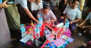 locals providing their signatures against the construction of coal plant (Photo: Arkar)