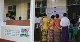 Voters at local polling station in Mon State (Photo: IMNA)