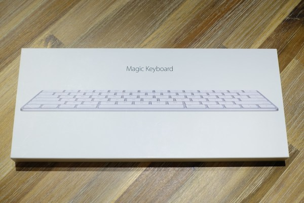 Magic Keyboard 外箱