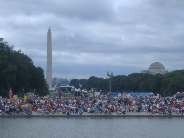 Looking back across the reflecting pool to where I'd stood earlier taking pictures.