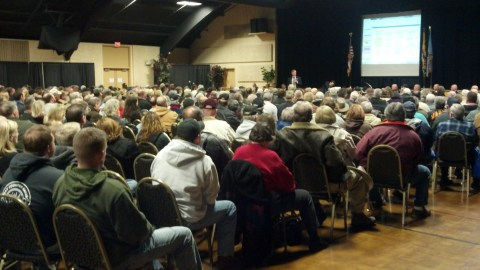 2A meeting crowd