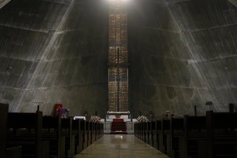 StMary'sCathedral-Tokyo-01