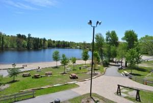 Le parc du Lac-Beauchamp, situé en plein cœur de la ville de Gatineau, est une véritable oasis de verdure et de paix.