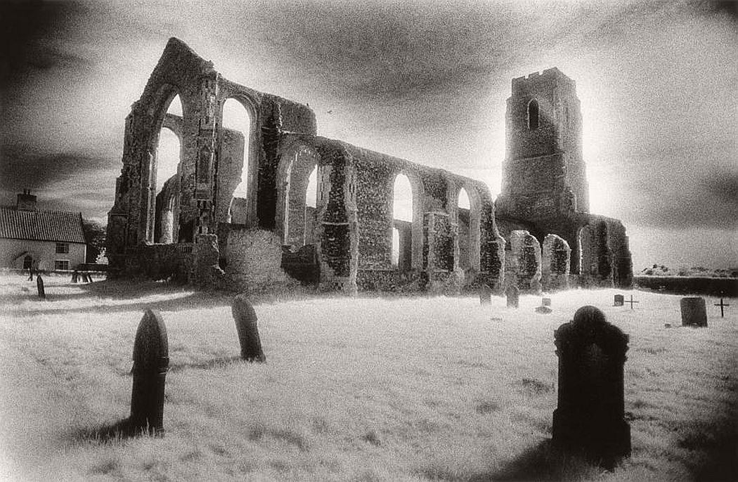 Biography Surreal Architecture Photographer Simon Marsden