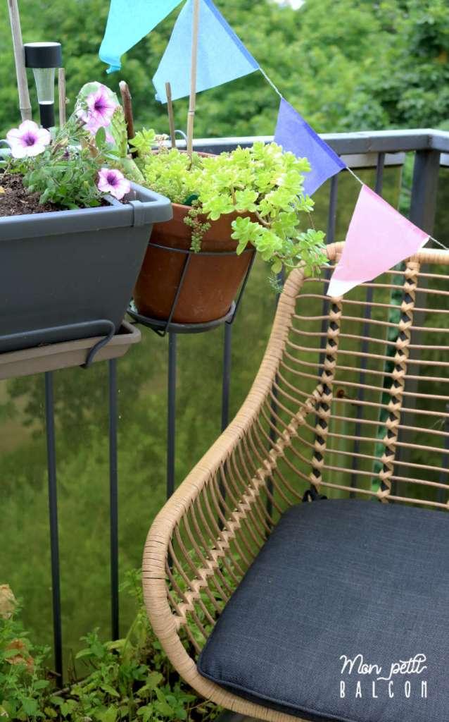 fauteuil de jardin en rotin pour décorer le balcon