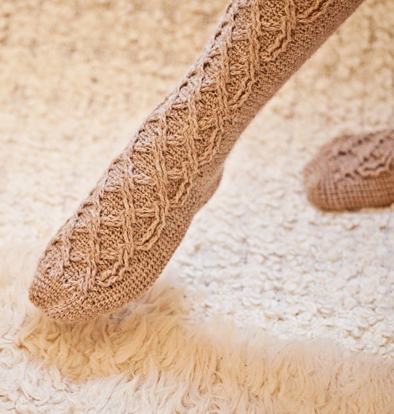 Crochet Cable Socks - pattern by Mon Petit Violon www.monpetitviolon.com