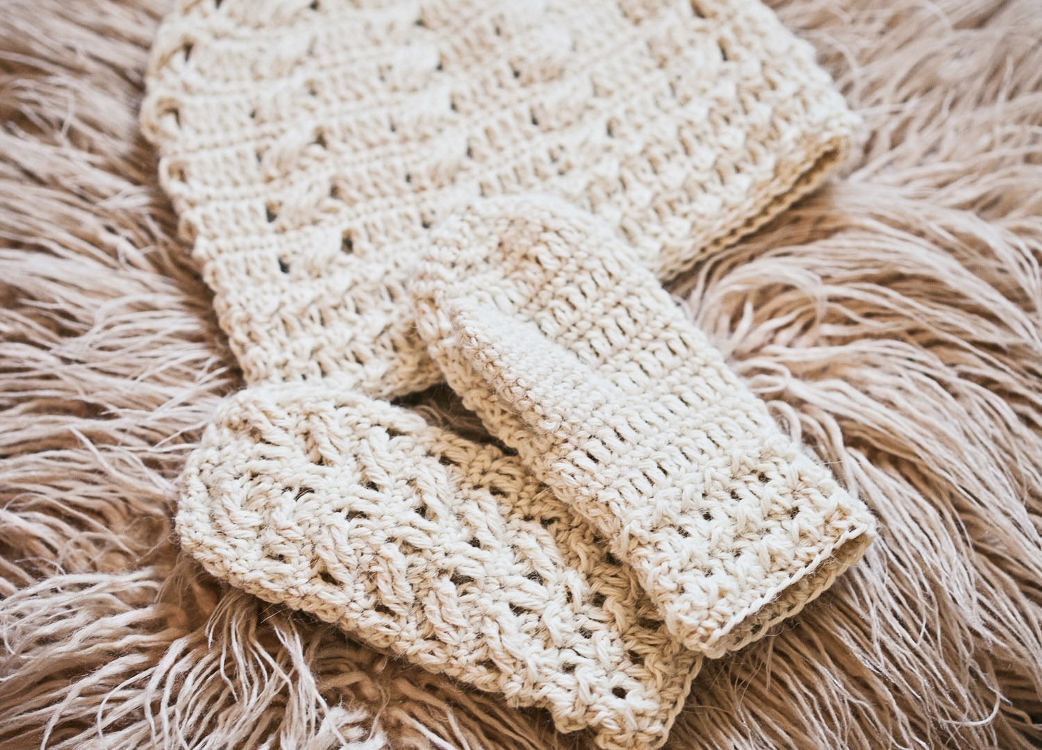 Matching Cable Mittens for Cable Beanie!