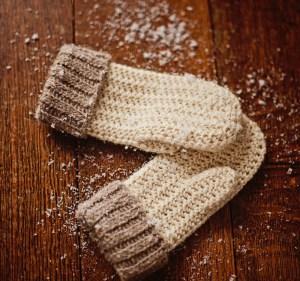 Knit-look Mittens by Mon Petit Violon, www.monpetitviolon.etsy.com
