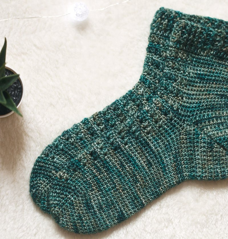 Spruce Socks, crochet pattern by Mon Petit Violon