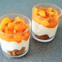 Crème de yaourt au melon poêlé et aux spéculoos