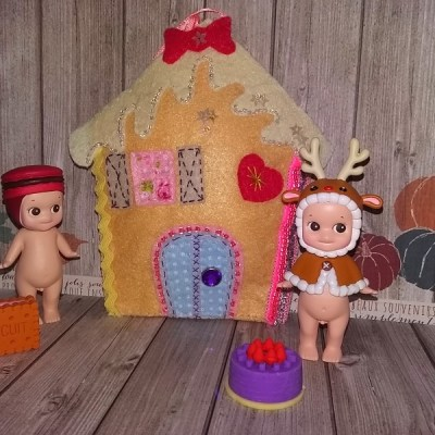 Faire ses déco de Noël à suspendre : la maison en pain d'épice