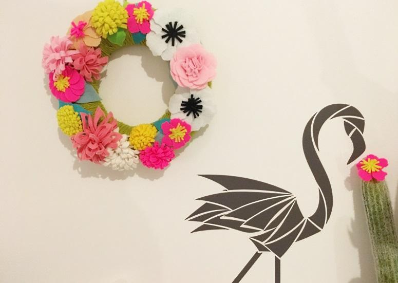 couronne de fleurs flamant noir
