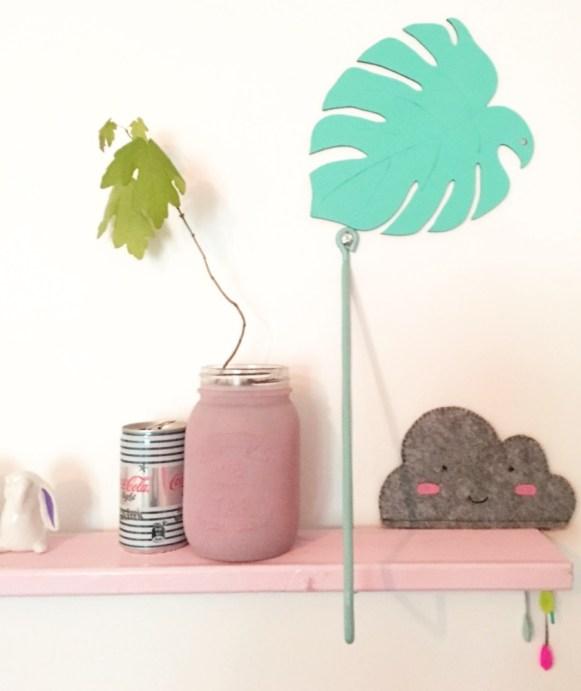 bureau tropical pastel details 6