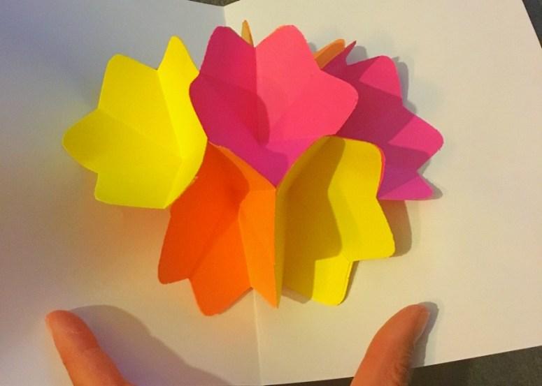 carte pop up fleur ouverte