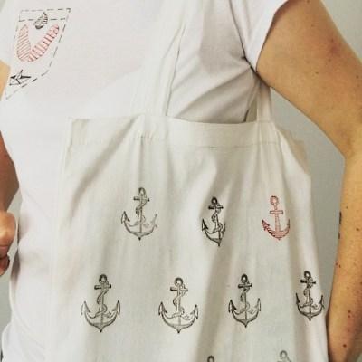 Un t-shirt et un tote bag «Petit marin» – DIY customisation –
