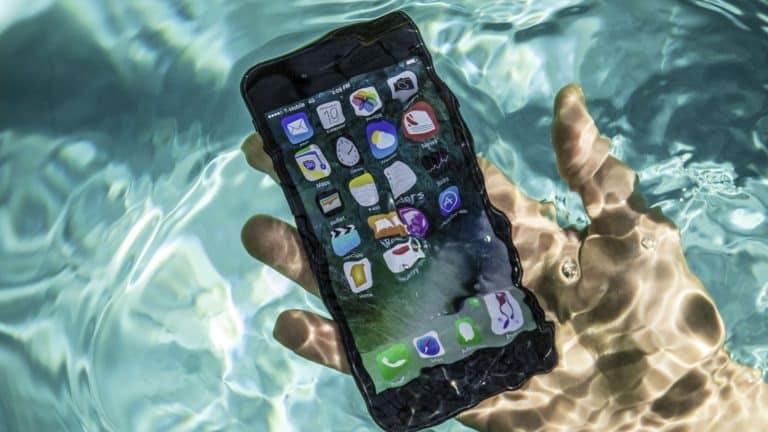 téléphone portable oxydé