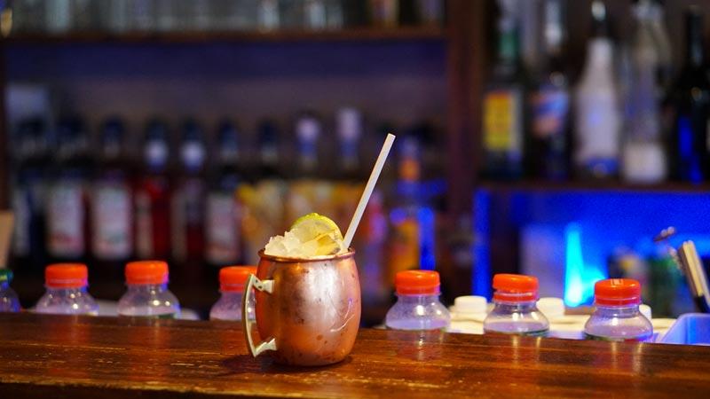 Cocktail Caipirinha. Livraison glaçons