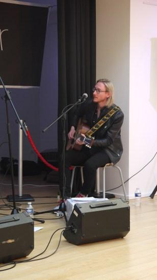 L'un des guitaristes ©Monsieur Benedict