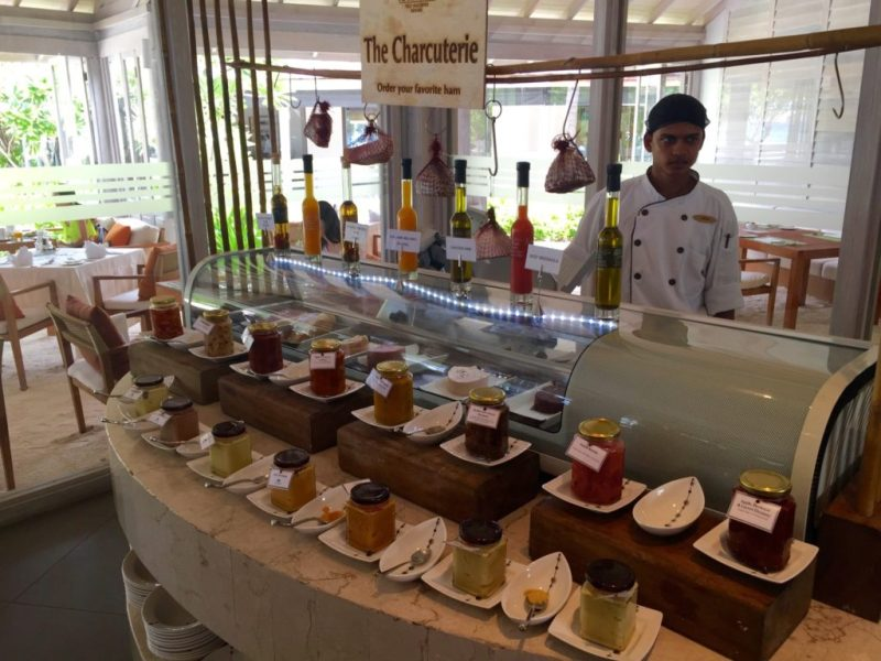 Maldives - Petit déjeuner Anantara - Charcuterie