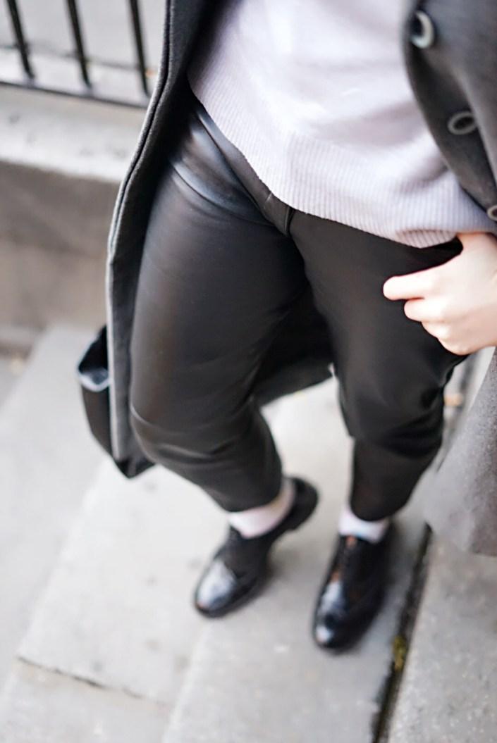 Le pantalon en cuir, une tendance cet hiver !