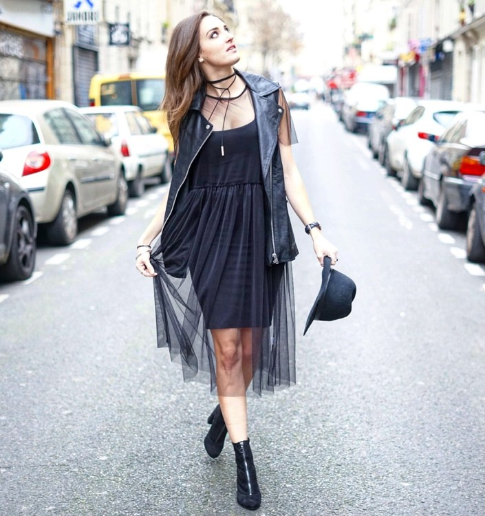 Total black outfit : robe en tulle X leather