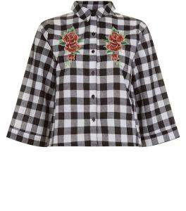 influence-chemise-noire-a-carreaux-et-fleurs-brodees