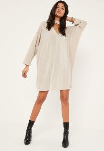 robe-blanc-crme-oversize-dcollet-dcoup