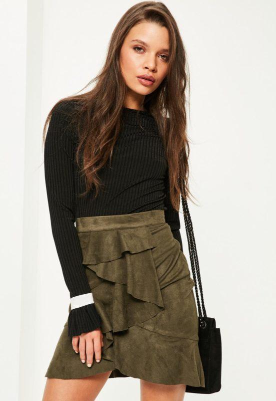 Mini-jupe volantée en suédine MissGuided