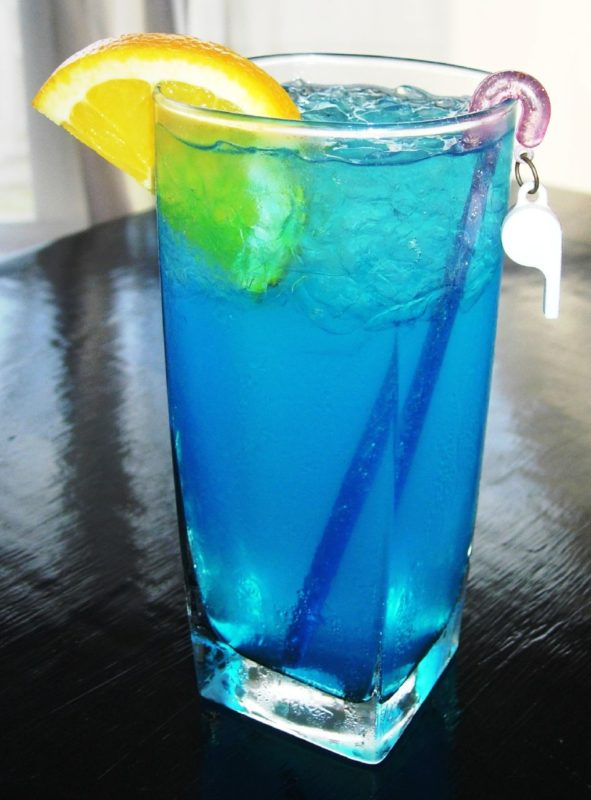 MonsieurMadame cocktail Blue Lagoon