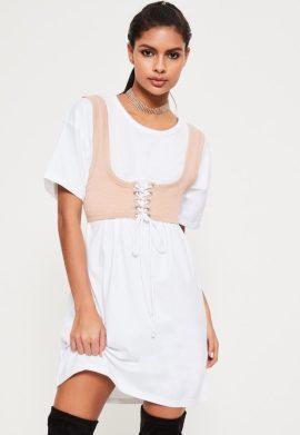 robe-oversize-blanche-avec-corset