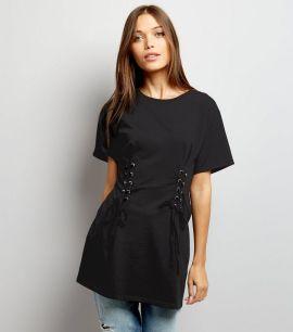 t-shirt-long-noir-style-corset-à-laçage