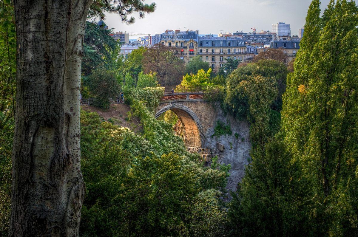 lieux-romantiques-paris-monsieur-madame-buttes-chaumont