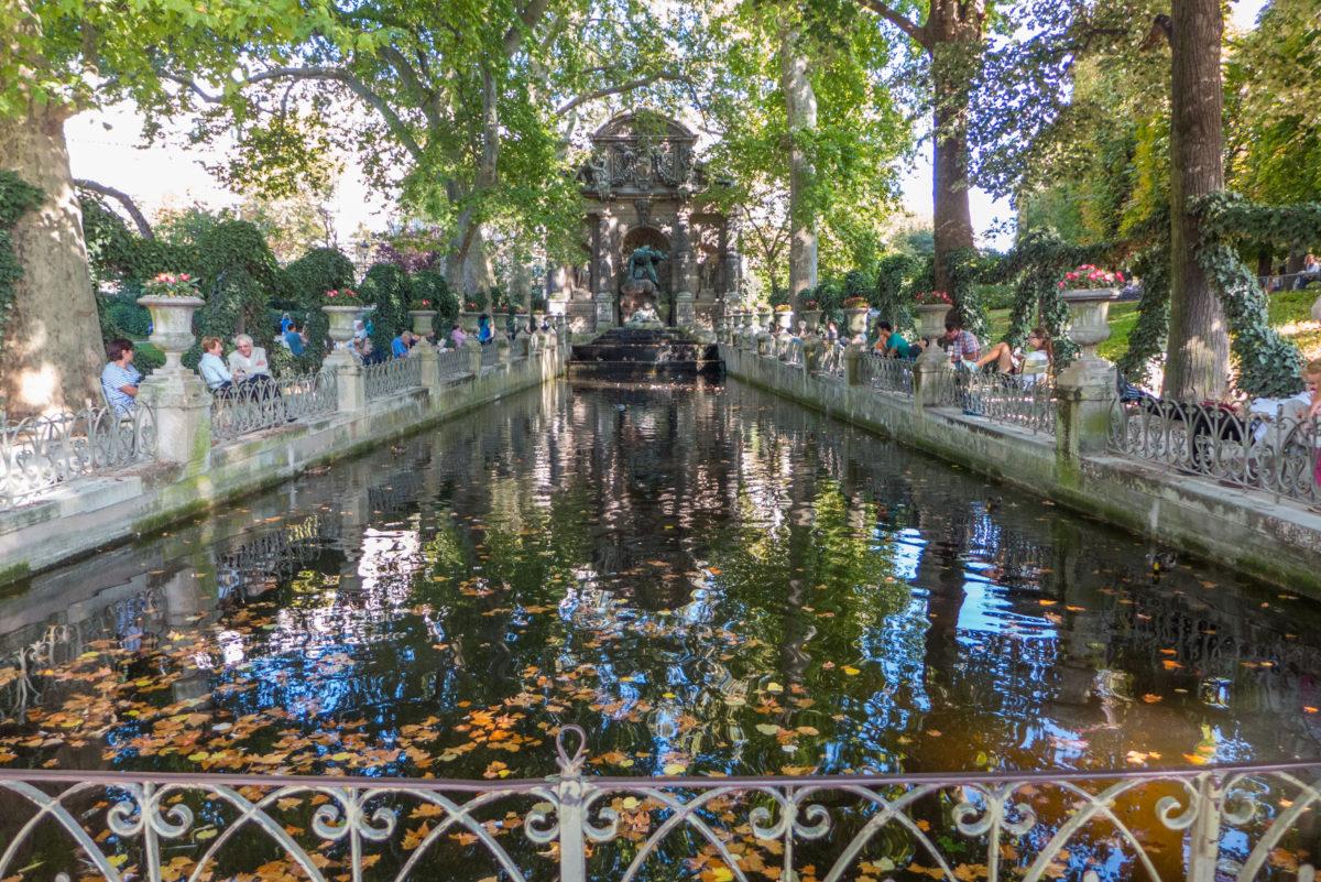 fontaine-velle-insolite-paris-monsieur-madame-médicis