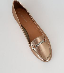 rose-gold-metallic-leather-snaffle-trim-loafers