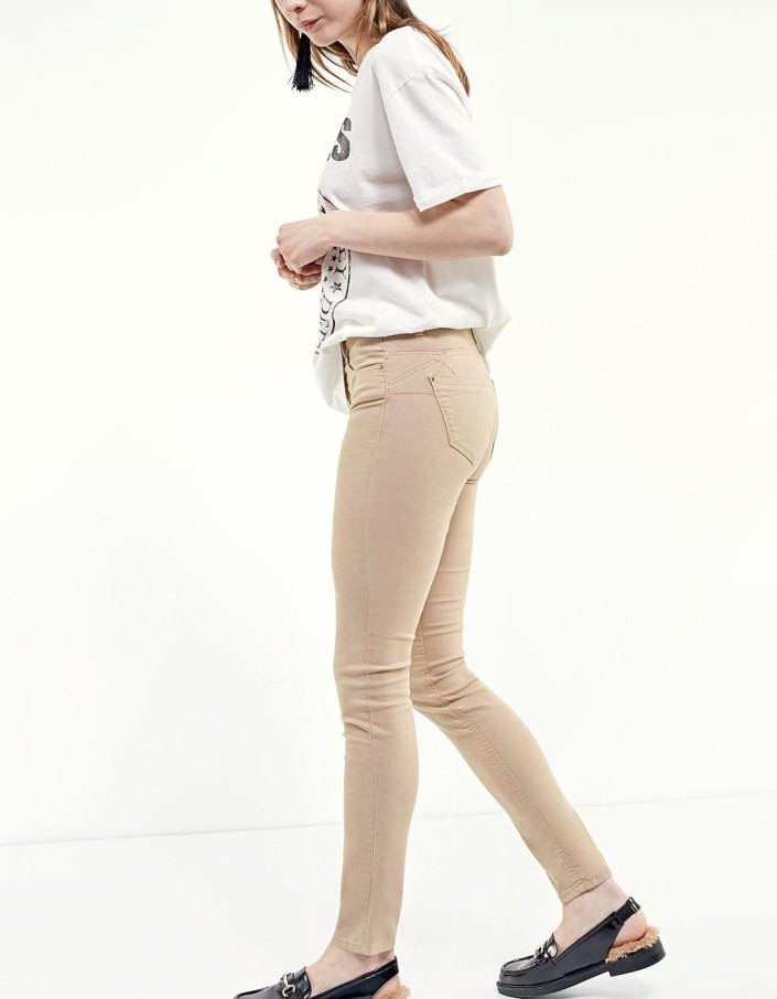 Pantalon push up Stradivarius