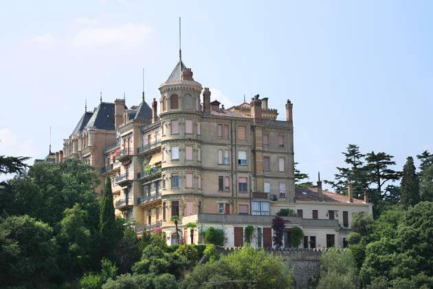 Château Vallombrosa Source: Cannes Destination