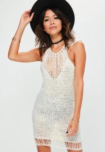 robe-pull-blanche-en-crochet--paulettes