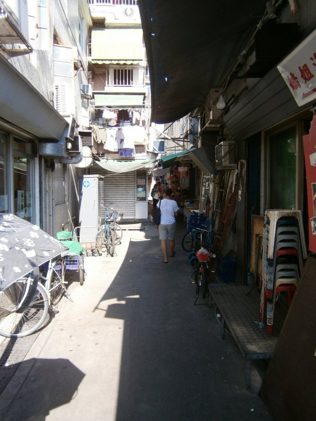 Cheung Chau alleyways