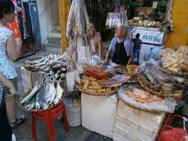 Cheung Chau: seafood everywhere