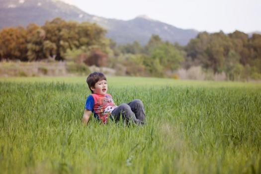 pascua en el pueblo fotografia lifestyle infantil