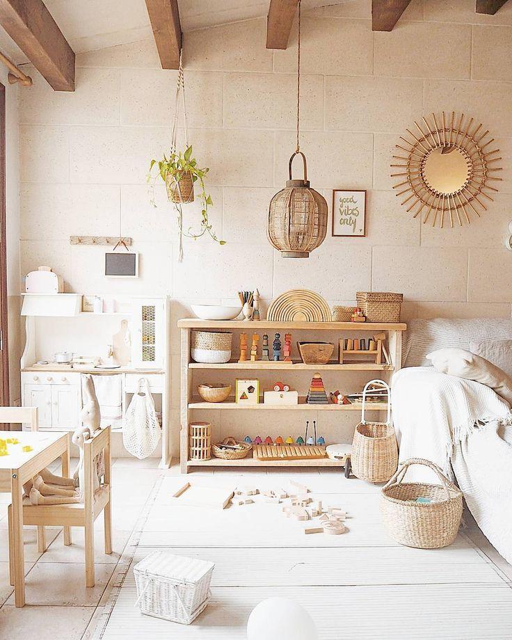 montessori bedroom - habitacion infantil - dormitorio montessori - organizado - organized - beautiful light