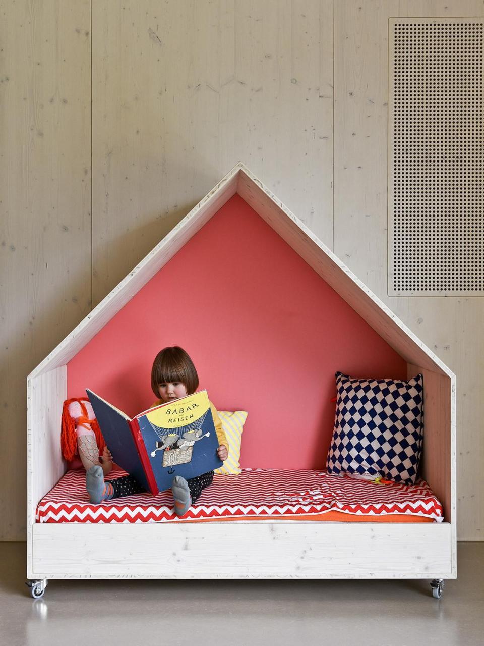 Ideas para crear un rincon de lectura Montessori infantil 14