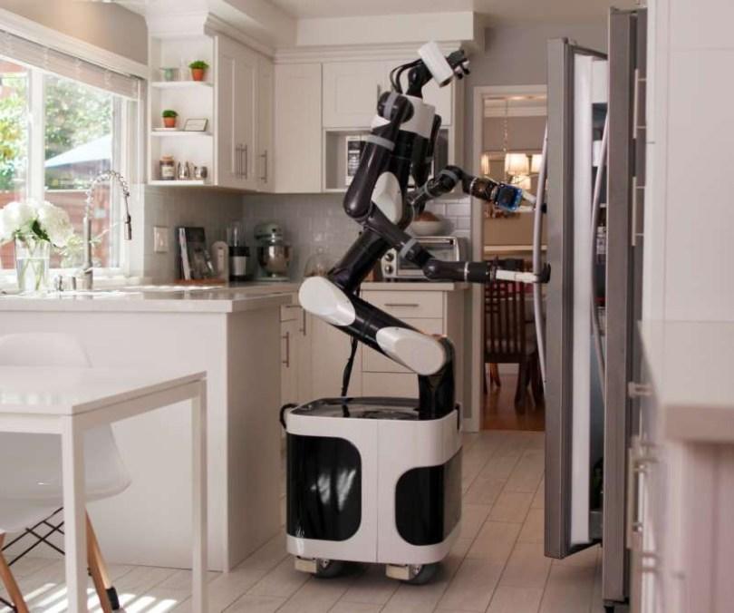 melatih robot buka kulkas