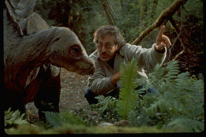 Steven Spielberg con stegosauro