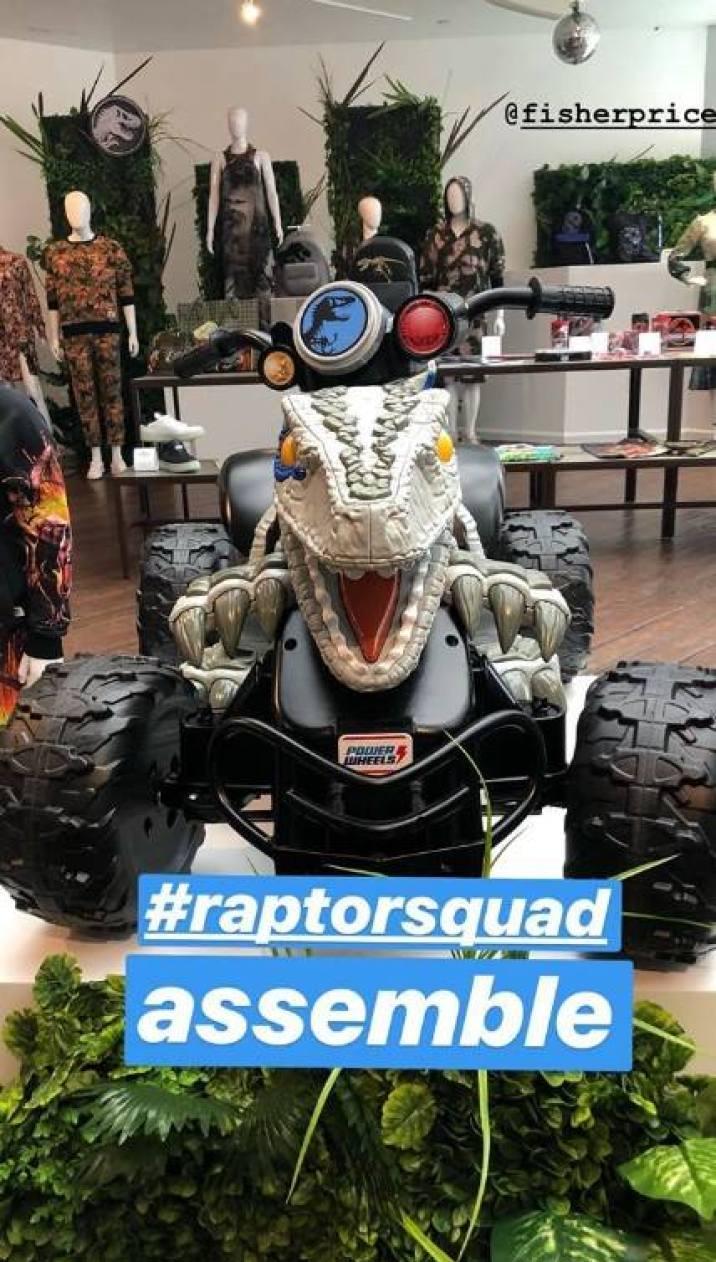 raptor movile auto fallen kingdom toy.jpg