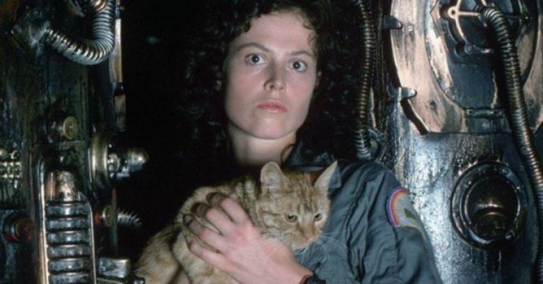 Ellen Ripley con il gatto Jones in Alien