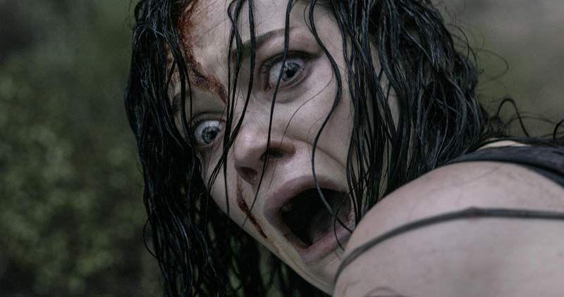 Mia Evil Dead 2013 spaventata