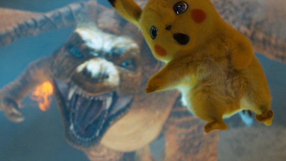 Detective Pikachu scena con Charizard